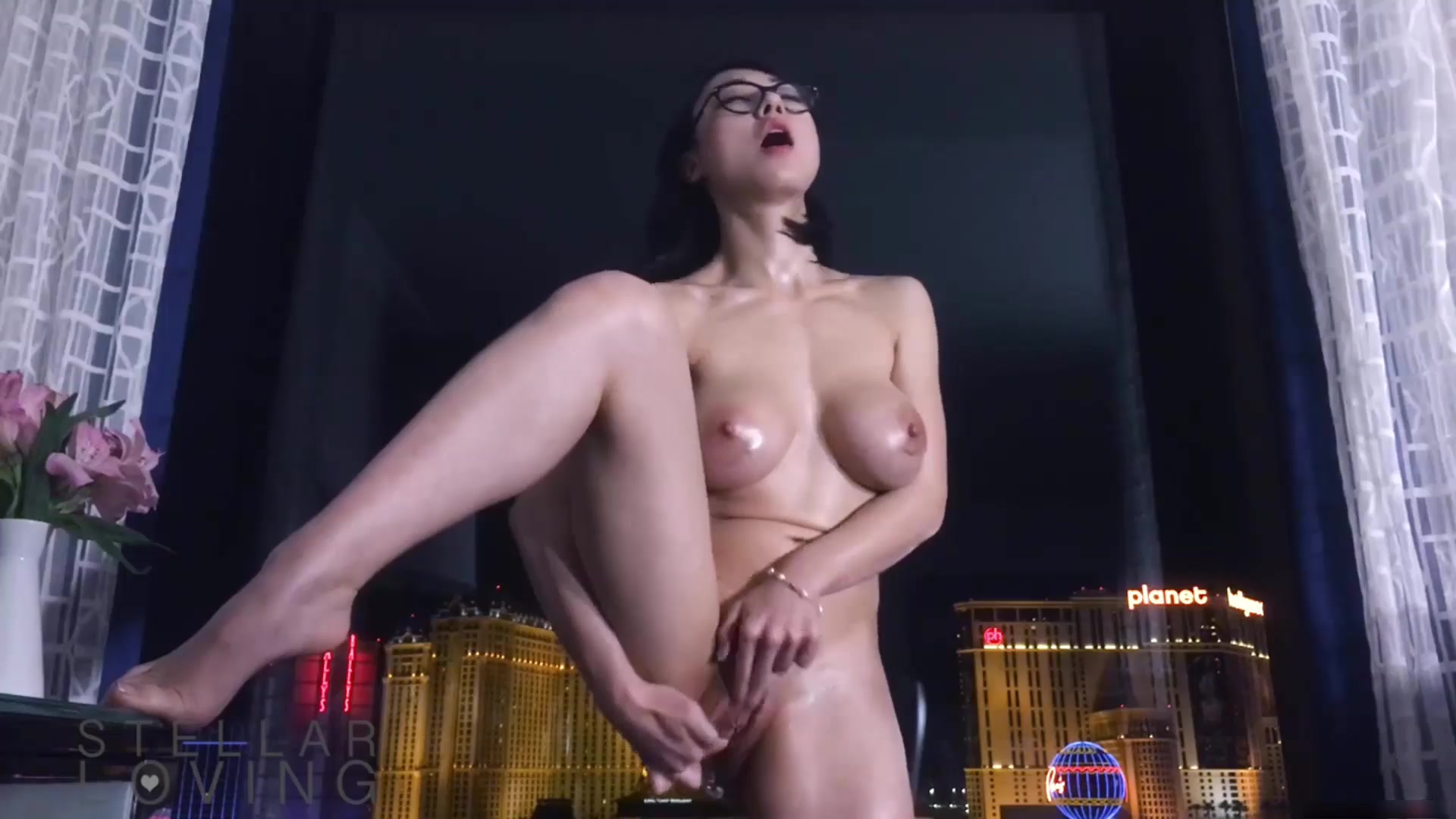 Asian MFC model StellarLoving masturbating on webcam