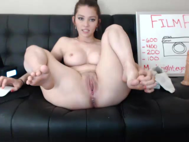 masturbate very young girls pussy