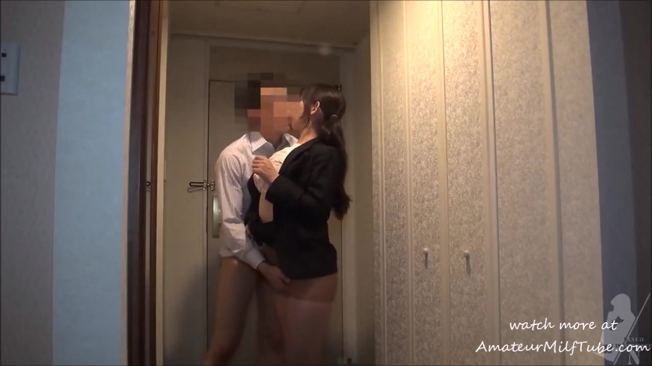 Amateur Wife Sharing Blindfold